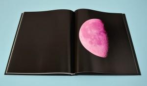 Libro fotografico Moon Atlas realizzato da Faenza Group
