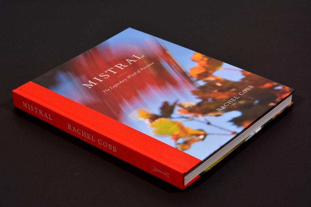 Copertina rigida applicata su libro MISTRAL